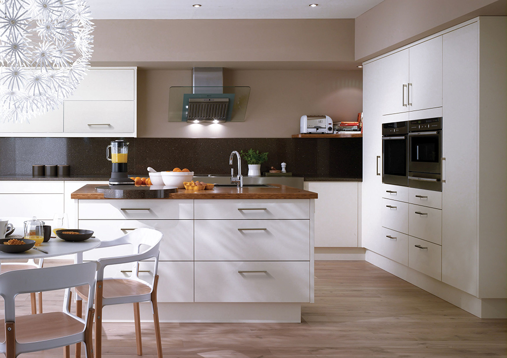 Zentrum stylish kitchens designed and fitted for Small fitted kitchen ideas